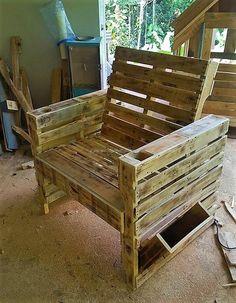 pallet made chair idea