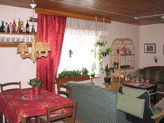 Olohuoneen ja ruokailutilan joulua