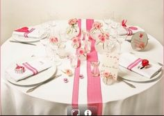 round table dressed with ribbon of different width. simple but effective Source by Wedding Table, Our Wedding, Decoration Evenementielle, Beautiful Home Gardens, Wedding Decorations, Table Decorations, Centerpieces, 50th Birthday Party, Event Organization