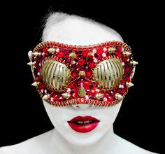Gaga-famous Macabre Glam Collection from Joji Kojima Moda Cyberpunk, Cyberpunk Fashion, Look Fashion, Fashion Art, Macabre Fashion, Rebel Fashion, Fashion Details, Glamour, Look At You