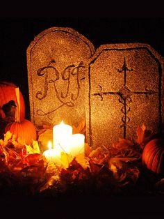 Halloween Decorations: Foam Halloween Tombstones. See the instructions >  #Halloween #craft