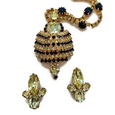 Vintage Designer Rhi beauty bling jewelry fashion