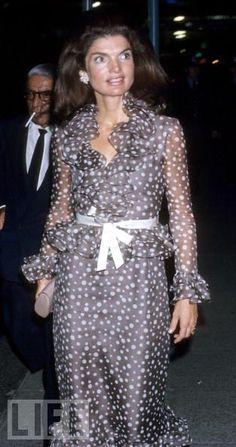 CJ..style notes...: Enduring Style: Jackie Kennedy Onassis