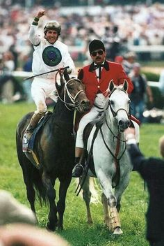 1996 Kentucky Derby Winner Grindstone with his Jockey Jerry Bailey Derby Horse, American Pharoah, Derby Winners, Run For The Roses, Sport Of Kings, Thoroughbred Horse, Racehorse, Courses, Kentucky Derby