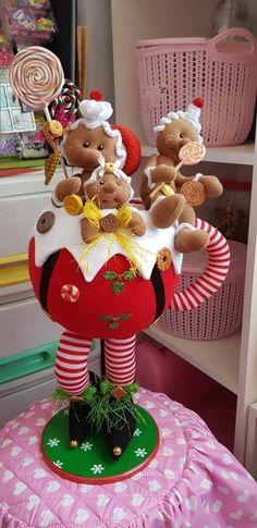 Felt Christmas Ornaments, Christmas Gingerbread, Christmas Gnome, Christmas Fabric, Christmas 2019, Christmas Stockings, Christmas Crafts, Christmas Decorations, Xmas