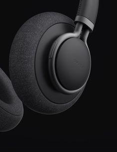 details # Black Circle Comfort Headphones Logo Metallstruktur Textil / Stoff Tonal Making a Great Sw Id Design, Shape Design, Design Trends, Best Headphones, Wireless Headphones, Windows Xp, Mac Os, Bluetooth Ear Phones, New Electronic Gadgets
