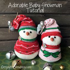 I love snowmen!! I've amassed quite a collection over the years because I can't resist a cute one when I see it! My Sock Snowman tutorial from a few years ago is one of my most popular posts. It gets