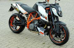 http://www.ebay.fr/itm/Aufkleber-Felgenaufkleber-Supermoto-KTM-SuperDuke-SD-Duke-950-990-SMT-SM-SMR-/272036428405?hash=item3f56a27a75:g:hMEAAOSwnDxUewBc