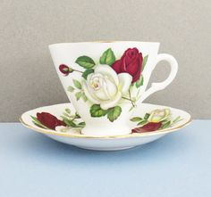 Clarence bone china white rose and red rose tea by indiecreativ