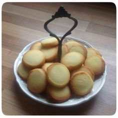Queen of the Kitchen: Spesíur - vintage icelandic cookies--for Ella's Christmas Around the World report on Iceland. :)