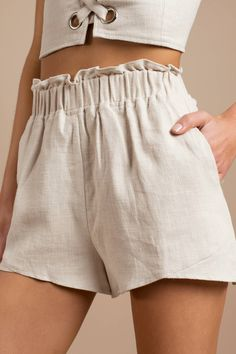 Lucca Couture Marley High Waisted Paperbag Shorts - Source by detlefroeder - Diy Shorts, Flowy Shorts, High Waisted Shorts, Modest Shorts, Jean Shorts, Cotton Shorts, Cute Summer Outfits, Short Outfits, Cool Outfits