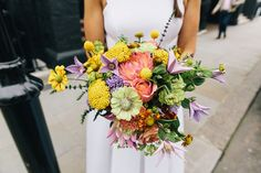Bright Urban London Wedding by Eclection Photography, Flowers Jam Jar Flowers