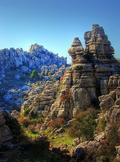 Torcal de Antequera, Mlaga, Andalucia, Spain Places To Travel, Places To See, Wonderful Places, Beautiful Places, Andalucia Spain, Les Continents, Beaux Villages, Spain And Portugal, Roadtrip