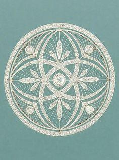 Belle Époque diamond pendant-brooch. circa 1905. delightful lines