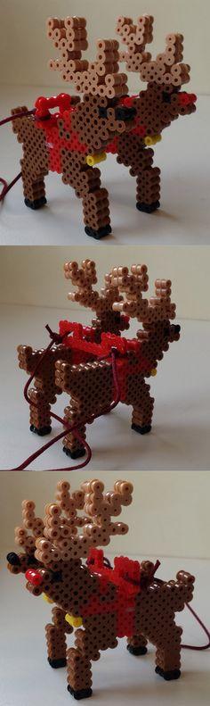 Perler 3D Christmas Reindeer. Hama Beads Patterns, Beading Patterns, Pony Bead Patterns, Christmas Perler Beads, 3d Christmas, Perler Bead Designs, Diy Perler Beads, Plastic Bead Crafts, Holiday Ornaments