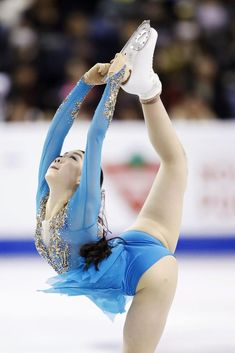 Rika Kihira of Japan performs in the women's free program on her way. Hot Figure Skaters, Skate Canada, Kim Yuna, Female Volleyball Players, Ice Girls, Beautiful Athletes, Olympic Champion, Figure Skating Dresses, Gymnastics Girls