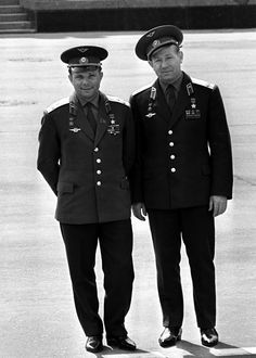 Two Russian cosmonauts – Yuri Gagarin (1934 – 1968), the first human in space and Alexey Leonov (right), who had the first space walk. Photo: 1966. #Russian #cosmonaut #Yuri_Gagarin