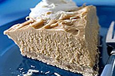 Our No-Oven Peanut Butter Squares are prepared with the help of a microwave in 10 minutes flat. The hardest part of this recipe is waiting for these sweet treats to cool! Peanut Butter Pie Recipe No Bake, Classic Peanut Butter Cookies, Easy Desserts, Delicious Desserts, Dessert Recipes, Kraft Recipes, Yummy Recipes, Recipies, Chocolate Pie With Pudding