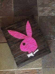 He encontrado este interesante anuncio de Etsy en https://www.etsy.com/es/listing/181273842/hot-pink-playboy-bunny
