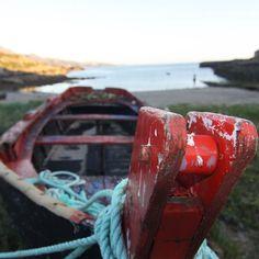 Paseando por #Galicia en fotos con moi @enfocagalicia.  Cada playa es un nuevo descubriento fotográfico. . #GaliciaMola #igerscoruna #CostaDaMorte #somosgaliciatb by galiciatb