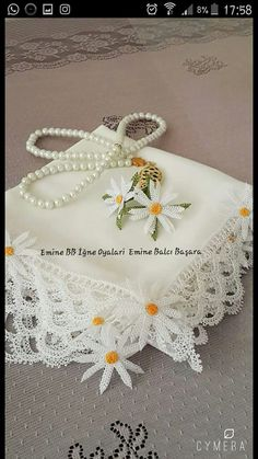 This Pin was discovered by Sul Needle Tatting, Needle Lace, Hairstyle Trends, Wedding Hair Down, Cheese Cloth, Lace Flowers, Filet Crochet, Plexus Products, Needlework