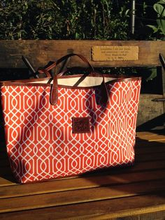 Loving this gorgeous tote - comes in over 4000 color/pattern combinations!