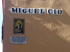 Calle Miguel Cid, cerca de la Iglesia de San Vicente. #Sevilla #Seville
