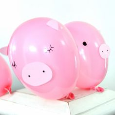 Pink piggy balloons & decor for party bags
