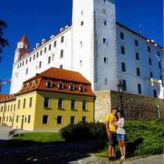 It sits high above the city (so the views are AWESOME) & it has a great history museum 👌 Bratislava, History Museum, Survival, Castle, Europe, Explore, Adventure, Mansions, House Styles