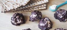 Ingredients 1 cup dark chocolate chips ¼ cup walnuts, roughly chopped ½ cup, plus 2 tablespoons organic matzo farfel 1 teaspoon finely ground Chocolate Cream Cheese, Dark Chocolate Chips, Passover And Easter, Vegan Treats, Holiday Recipes, Yummy Food, Healthy Recipes, Heart, Desserts
