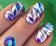 Pearlized gradient purple blue color nail design