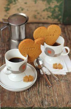 coffee types SaleQuBi: Biscotti di quinoa e riso # - coffee Coffee Type, Coffee And Books, Coffee Pods, I Love Coffee, Coffee Break, Iced Coffee, Coffee Drinks, Coffee Shop, Coffee Girl