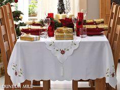 9 Strikingly Beautiful Christmas Table Decoration Ideas for 2012