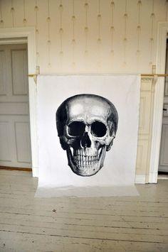 Gigantisk hodeskalle Skull, Google, Art, Shopping, Art Background, Kunst, Gcse Art, Sugar Skull, Art Education Resources