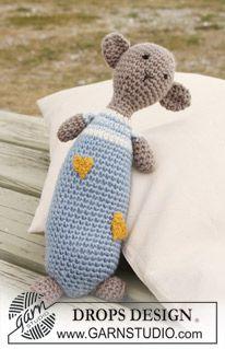 "Hug Buddy - Crochet DROPS teddy bear in ""Merino Extra Fine"" with hearts in ""Fabel"". - Free pattern by DROPS Design"
