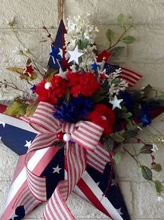 Glow In The Dark July of July Wreath-Patriotic - wanderlust July 4th Holiday, Fourth Of July Decor, Happy Fourth Of July, 4th Of July Decorations, 4th Of July Wreath, Summer Wreath, Holiday Decorations, Patriotic Crafts, Patriotic Wreath