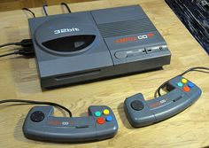 Evolution of Home Video Game Consoles: 1967 - 2011 - Hongkiat Vintage Video Games, Retro Video Games, Retro Games, Playstation, Game Room Kids, Penny Arcade, Sega Dreamcast, Games For Teens, Retro Toys