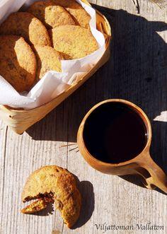 Viljattoman Vallaton: Gluteenittomat timjamisuklaakeksit French Toast, Breakfast, Food, Morning Coffee, Eten, Meals, Morning Breakfast, Diet