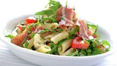 Pastasalat med spekeskinke Brown Bread, Comfort Food, Frisk, What To Cook, Pesto, Cobb Salad, Salad Recipes, Potato Salad, Salads