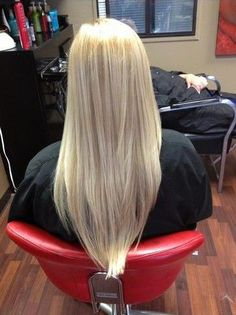 V-cut Hairstyle for Long Straight Blond Hair. Definitely want this hair style