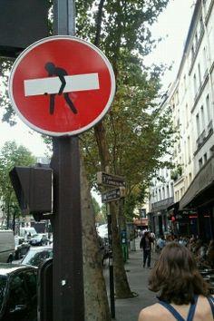 芸術の都パリは【トイレの標識】までオシャレだった|Wonder-Graphics|note