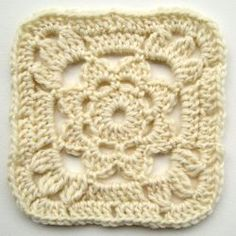 FREE pantern - crochet granny square with flower 2.