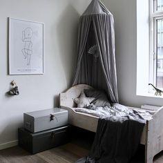 Boys room #barsel #baby #babyboy #kidsfashion #ministil #follow #love #photooftheday #babyroom #kidsroom #børneværelse #kidsdecor #babydecor #interior #nordic #nordicstyle #igbaby #instababy #instakids #cute #styling #child #inspiration #simpleliving
