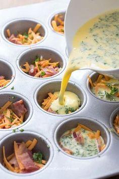 Egg muffins are the perfect breakfast or lunch on the go and can be ea . Ei-Muffins sind das perfekte Frühstück oder Mittagessen für unterwegs und kö… Egg muffins are the perfect breakfast or lunch to go and can … lunch Bacon Egg Muffins, Omelette Muffins, Healthy Egg Muffins, Mini Egg Muffins, Egg White Muffins, Low Carb Egg Muffins, Bacon Egg Cups, Cheese Muffins, Scrambled Egg Muffins