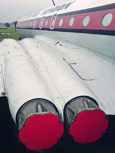 De Havilland Comet, Elba, Military Aircraft, Rolls Royce, Airplanes, Dan, Vintage, Planes, Aircraft