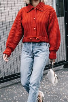 The Types of Jeans Everyone Will Own in 2018 via Who What Wear… Street Style Trends, Autumn Street Style, Dinner Party Outfits, Best Jeans For Women, Quoi Porter, Mode Inspiration, Who What Wear, Autumn Winter Fashion, Fall Winter