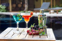 Just because you are staying in a villa doesn't mean you have to miss out on having drinks (or snacks!) bought to you by the pool. We have a fantastic pool side menu offering a variety of cool refreshments and delicious food – all you have to do is decide.