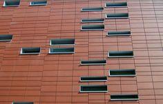 terra cotta rainscreen - Google Search Rainscreen Cladding, Brick Cladding, Cinema Architecture, Terracotta Army, Student House, Smoothie, Terra Cotta, Facades, Biscuit