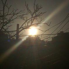 Um belo sorriso abrindo o dia.  Sol da manha! @AllRightsofGod www.hersander.com