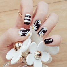 #DaisyNails: Οι μαργαρίτες στα νύχια του instagram